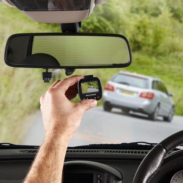 L'installation d'une dashcam : connaître les règles